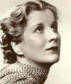 Photo of Diana Wynyard