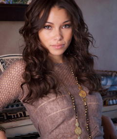 Photo of Jessica Parker Kennedy