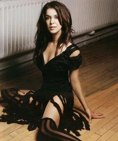 Photo of Annabella Sciorra