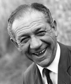 Photo of Sidney James