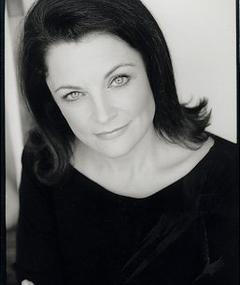 Gina Wendkos adlı kişinin fotoğrafı