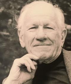 John Gay का फोटो
