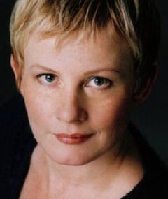 Photo of Elizabeth Saunders