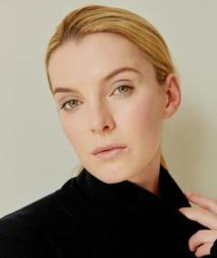 Photo of Betty Gilpin