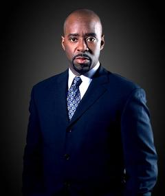 Photo of Courtney B. Vance