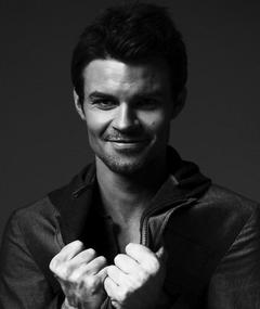 Photo of Daniel Gillies