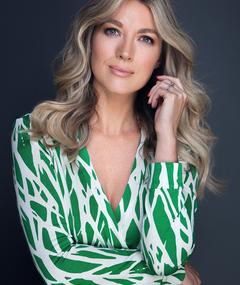 Photo of Natalie Zea