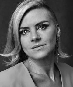 Photo of Eliza Coupe
