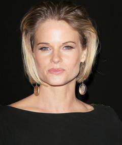 Photo of Joelle Carter