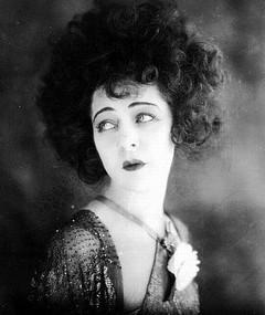 Foto av Alla Nazimova