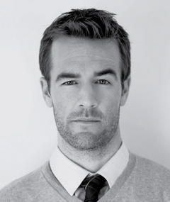 Gambar James Van Der Beek