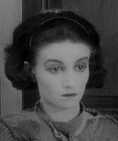 Marie Epstein adlı kişinin fotoğrafı