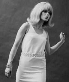 Gambar Joanna Lumley