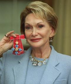 Photo of Siân Phillips