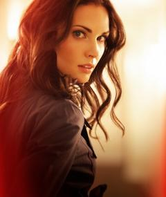 Photo of Laura Mennell