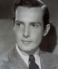 Hurd Hatfield का फोटो