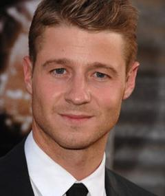 Photo of Ben McKenzie