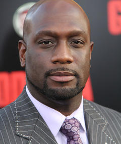 Poza lui Richard T. Jones