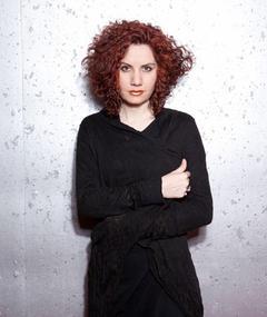Photo of Roya Akbari