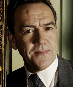 Photo of Robert Lindsay