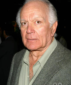 Photo of Robert Mandan