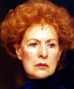 Photo of Carmen Dolores