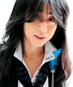 Photo of Yasuharu Takanashi