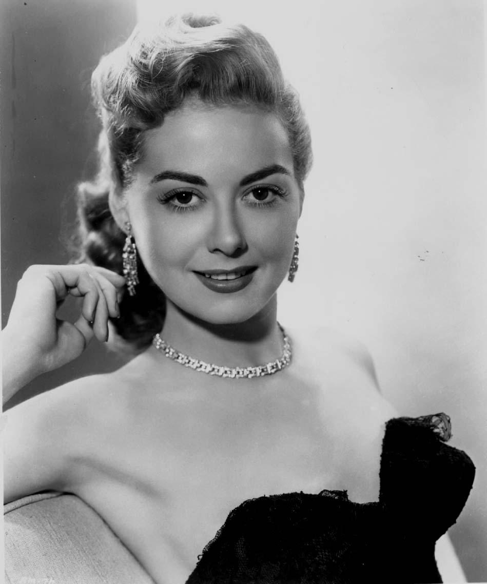 Cynthia Yapchiongco (b. 1985),Madge Kennedy Sex clip Frank Thornton (1921?013),Miranda de Pencier