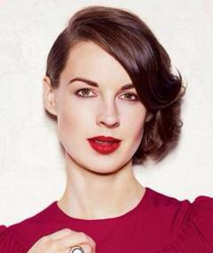 Photo of Jessica Raine