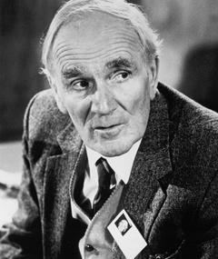Photo of Desmond Llewelyn