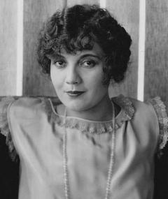 Photo of Lois Wilson