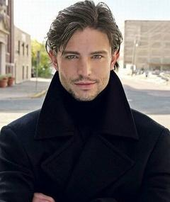 Photo of Jason Behr