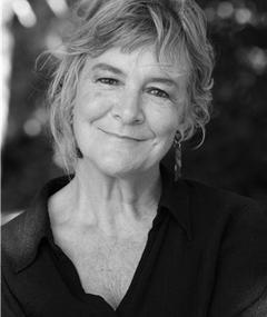 Gambar Barbara Ewing