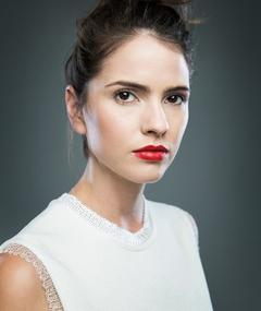 Photo of Shelley Hennig