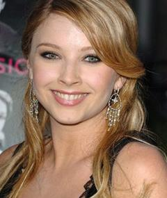 Photo of Elisabeth Harnois