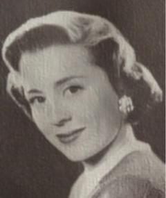 Photo of Lucy Prentis