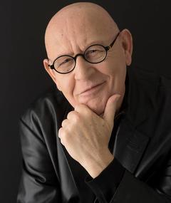 Photo of Daniel Benzali