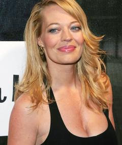Photo of Jeri Ryan