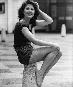 Elisabeth Sladen का फोटो