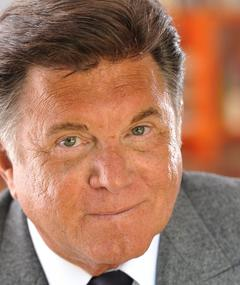 Photo of Larry Manetti