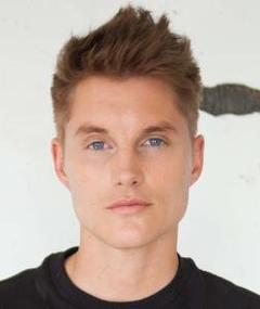 Photo of Toby Hemingway