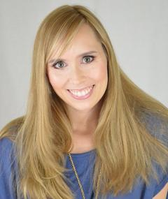 Photo of Allison Schroeder