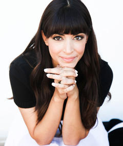 Photo of Hannah Simone