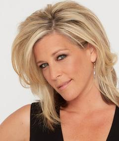 Photo of Laura Wright