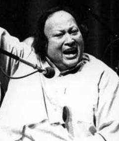 Nusrat Fateh Ali Khan adlı kişinin fotoğrafı