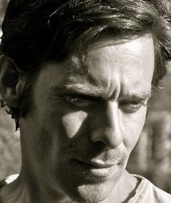 Gambar James Callis