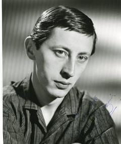Photo of Murray Melvin