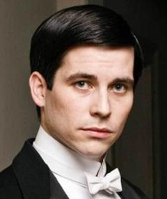 Foto de Robert James-Collier