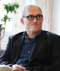 Stephen Nomura Schible adlı kişinin fotoğrafı