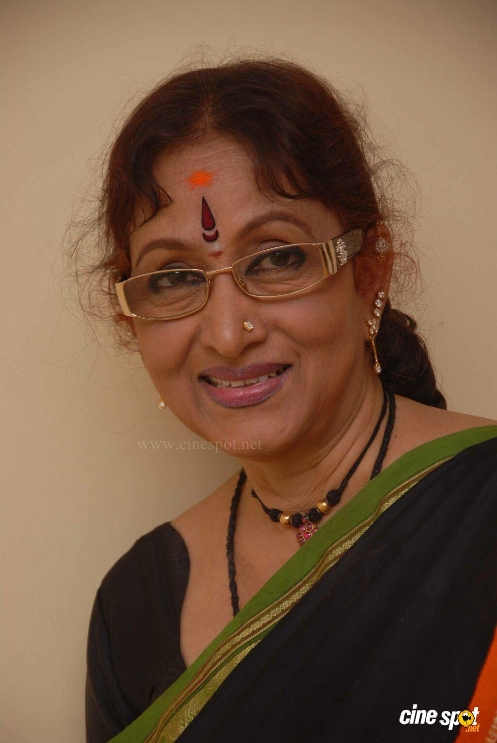 Watch Bharathi Vishnuvardhan video